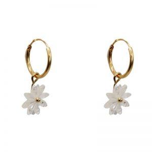 """Ohrringe """"Daisy Mother of Pearl"""" mit Gänseblümchen Anhänger aus Perlmutt. Die Ohrringe sind in Handarbeit hergestellt"""