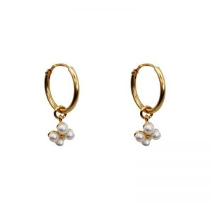 "Ohrringe ""Tiny Daisy Freshwater Pearl"" vergoldet mit pro Ohrring vier Süsswasserperlen"